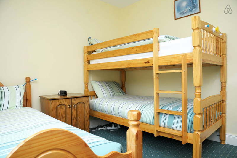 Dunloe View Hostel - Triple Room